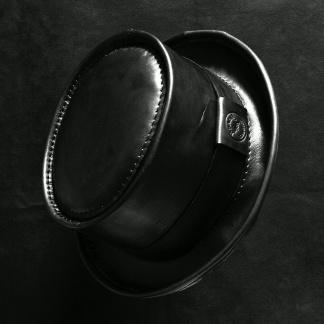 Кожена шапка