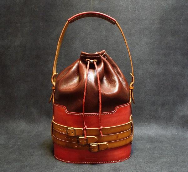 Кожена чанта BucketBag